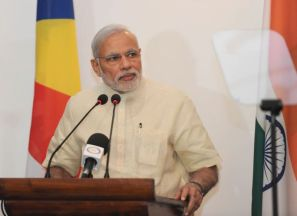 The Prime Minister, Shri Narendra Modi makes his statement to the Media, in Seychelles on March 11, 2015.